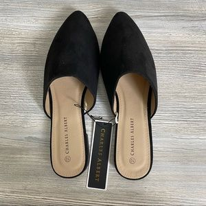 NWT woman's slip on mules size 10